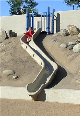 1650-103-01-EMB Curved Embankment Slide Chute Rotationally-molded, Medium Density Polyethylene